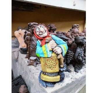 Баба Яга в ступе Садовая фигура