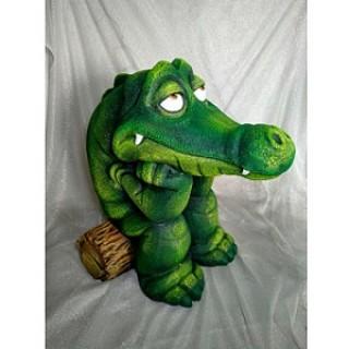 Крокодил на бревнышке Садовая фигура
