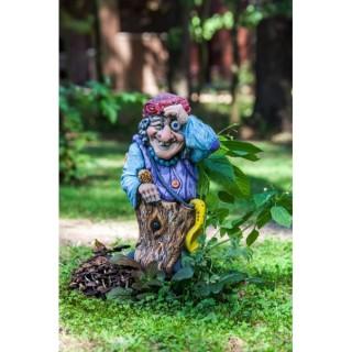 Садовая фигура Баба Яга с веником